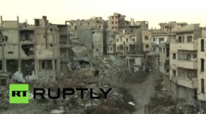 "Foto: YouTube (RT) ""Homs lies in ruins after years of Syrian civil war"""