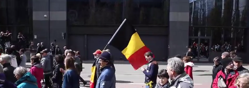 "foto: YouTube (Ruptly TV), ""Belgium: Thousands march against ""terror and hatred"" in Brussels"""