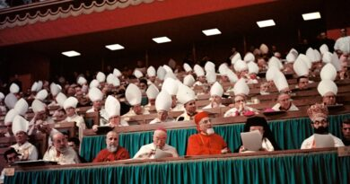 """Czym naprawdę jest """"Lawendowa mafia"""" – czyli o Vaticanum II, FBI i KGB"""